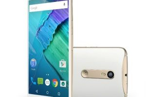 تعرف على مواصفات ومميزات وعيوب موبايل Motorola Moto X Style