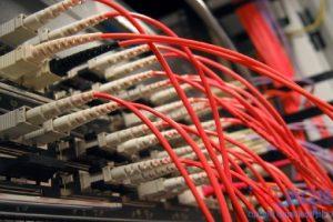 مقارنة بين عروض أنترنت شركة تي إي داتا و إتصالات مصر