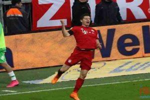 ليفاندوفيسكي يسجل 5 أهداف للبايرن في 9 دقائق