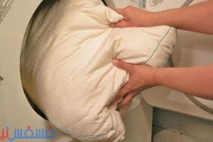 أفضل طرق غسل وسائد السرير الخاصة بك بطرق آمنة جداً