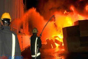حريق هائل بالمنصورة يلتهم مخزن قطع غيار سيارات