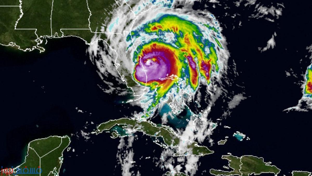 الإعصار ماثيو لحظة وصوله إلى الساحل الشرقي الأميركي