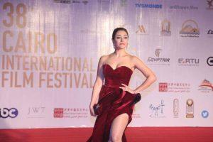 من هي مريم حسن صاحبة الفستان المثير في مهرجان القاهرة السينمائي