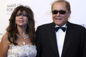صورة نادرة .. القصة الحقيقة لزواج محمود عبد العزيز من بوسي شلبي .. وهل  خطفته من زوجته الأولى؟