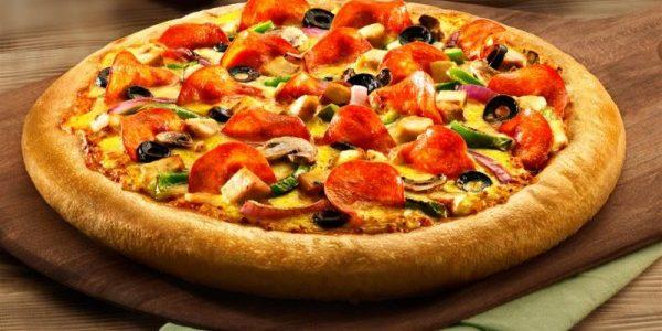 طريقة تحضير البيتزا مع حشوتها اللذيذة