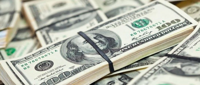 سعر الدولار ليوم الأربعاء في البنوك والسوق السوداء