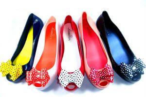 أحدث موديلات أحذية العرائس 2018 – أحذية موضة العرائس ملونة وبيضاء