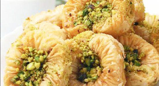 طريقة عمل  عٌش البلبل والبقلاوة بالشكوتة حلويات رمضانية