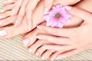 وصفات فعاله لتفتيح اليدين و القدمين قبل العيد