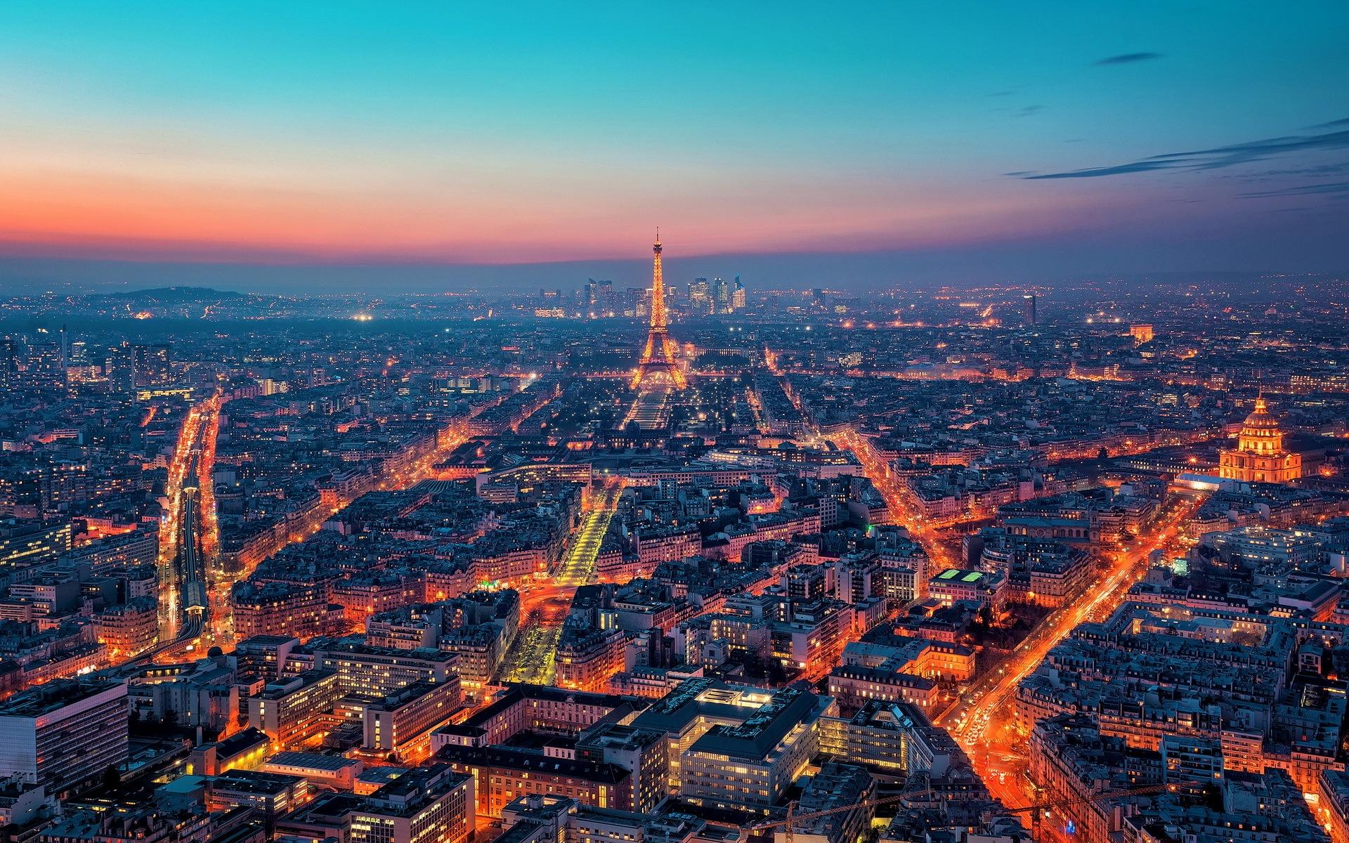 باريس عاصمه النور