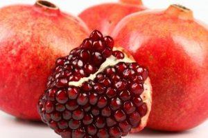 إليكم فوائد أكل فاكهة الرمان اللذيذة