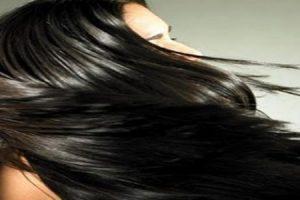 خلطات لتنعيم الشعر الدهني بطريقة طبيعية