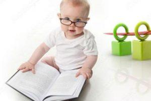 تعرفي علي مراحل تطور نمو الطفل خلال الشهور الأولي