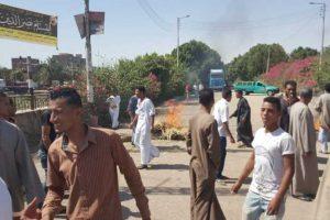 تجمهر المئات بمحافظة قنا احتجاجاً علي وفاة متهم داخل مركز الشرطة