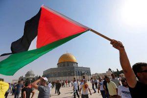 الجيش الإسرائيلي يسرق وثائق مهمة من القدس