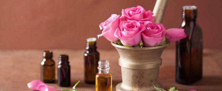 تعرف علي فوائد زيت الورد للتبيض البشرة