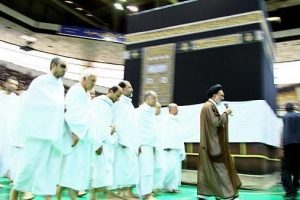 إيران تنتهي من بناء كعبة علي أراضيها وتدعو المسلمين للحج والعمرة