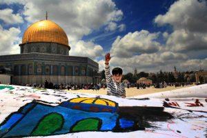 """إسرائيل تغلق المسجد الأقصى عقب دخول الفلسطينيين إليه من باب """"حطة"""""""
